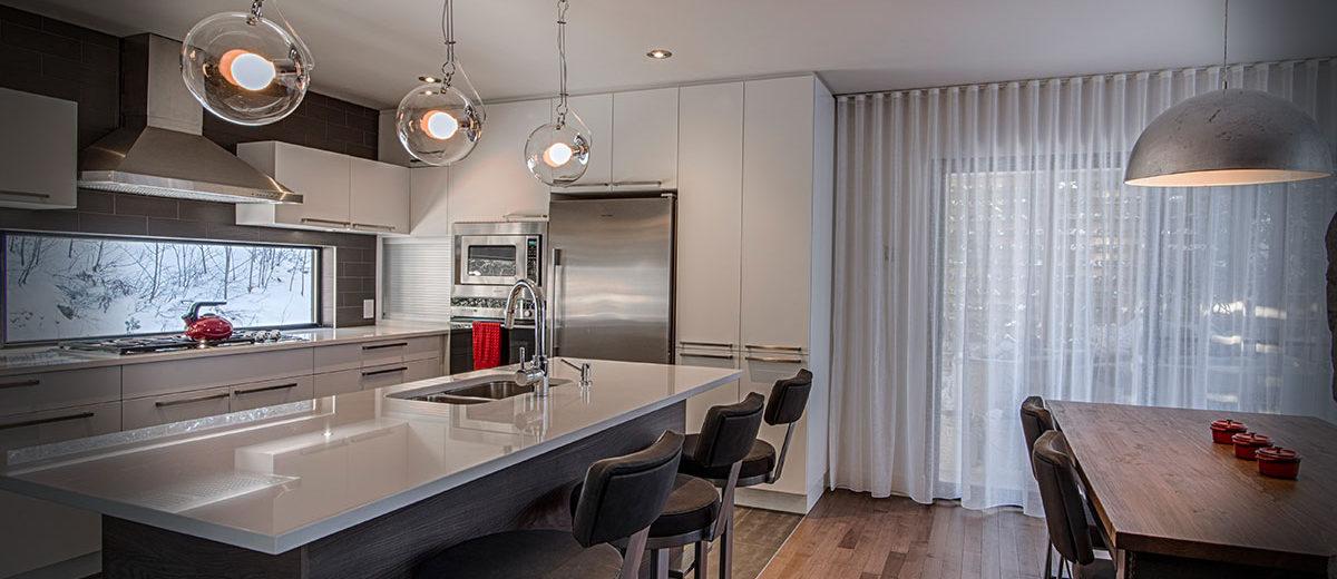 Cuisine moderne et contemporaine, fabriquant d'armoires de cuisine | Cuisine Beaujoly | Designer cuisiniste à Sainte-Thérèse