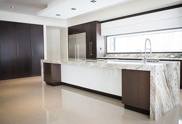 Portes d'armoires de cuisine | Cuisine Beaujoly | Designer Cuisiniste