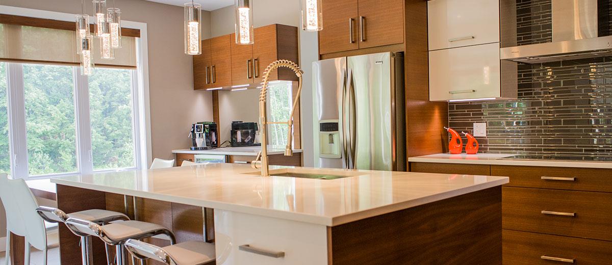cuisine moderne avec armoires en bois